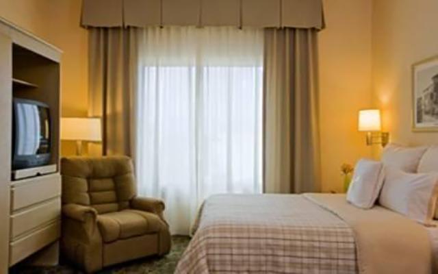 Hotel four points by sheraton monterrey linda vista for Habitaciones conectadas hotel
