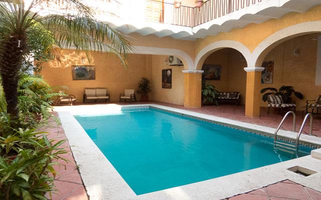 Hotel Posada Doña Lala, disfruta de su alberca al aire libre