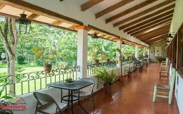 Hotel Posada La Querencia, relájate en la terraza