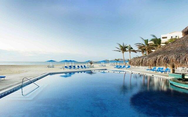 Hotel Posada Real Los Cabos, disfruta de su alberca al aire libre