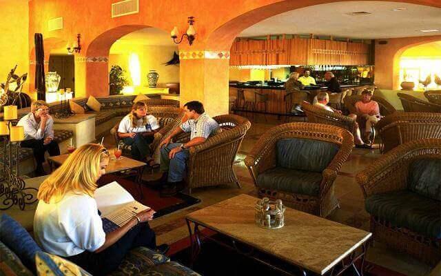 Hotel Posada Real Los Cabos, disfruta una copa en el bar