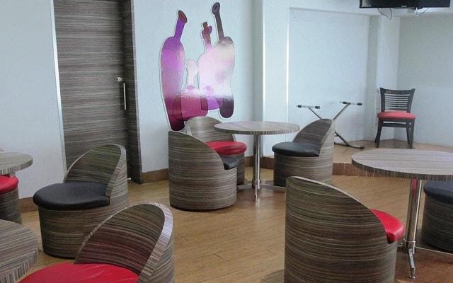Hotel Premier, Bar Tangente