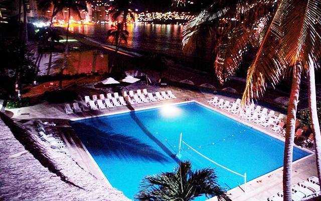 Hotel El Presidente Acapulco, disfruta de su alberca al aire libre