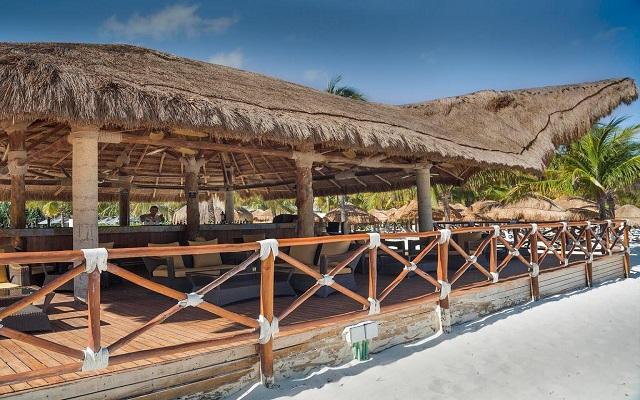 Hotel Presidente Intercontinental Cancún Resort, Deck Bar Lounge