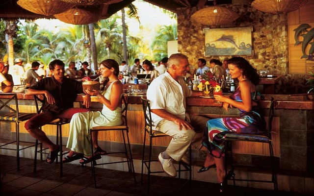 Hotel Princess Mundo Imperial Riviera Diamante Acapulco, Beach Club Bar