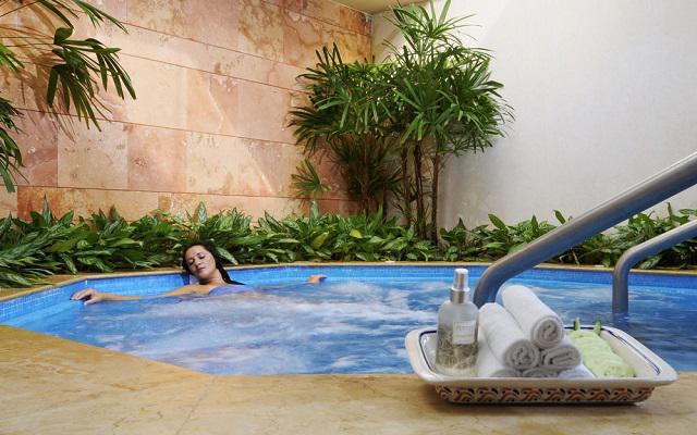 Hotel Princess Mundo Imperial Riviera Diamante Acapulco, disfruta el jacuzzi