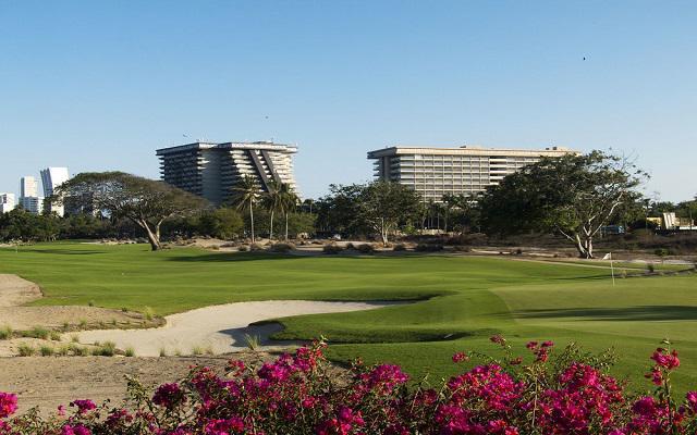 Hotel Princess Mundo Imperial Riviera Diamante Acapulco, pasea en los jardines