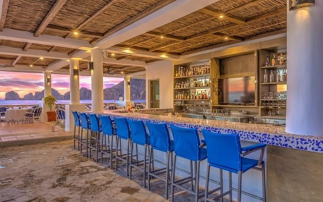 Hotel Pueblo Bonito Los Cabos Beach Resort, disfruta una copa en el bar