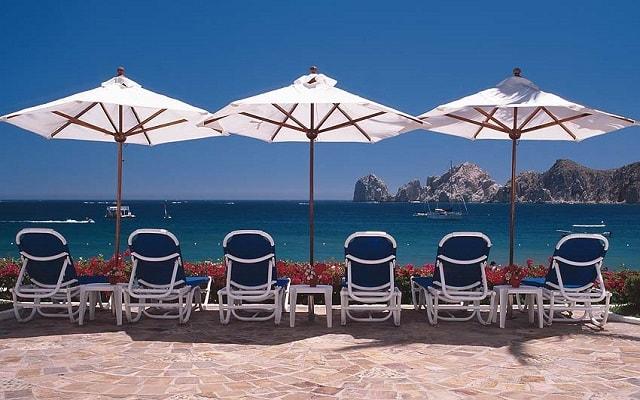 Hotel Pueblo Bonito Los Cabos Beach Resort, relájate en la comodidad de sus camastros