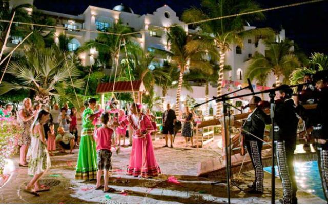 Hotel Pueblo Bonito Los Cabos Beach Resort, disfruta de una linda noche temática