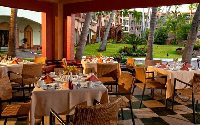 Hotel Pueblo Bonito Mazatlán podrás elegir entre diferentes tipos de comida