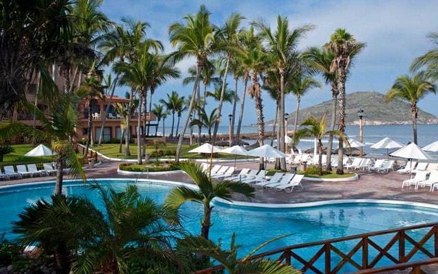 Hotel Pueblo Bonito Mazatlán disfruta del área de albercas