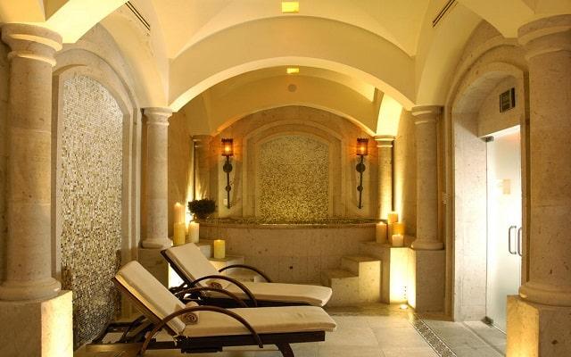 Hotel Pueblo Bonito Sunset Beach Resort and Spa, permite que te consientan en el spa