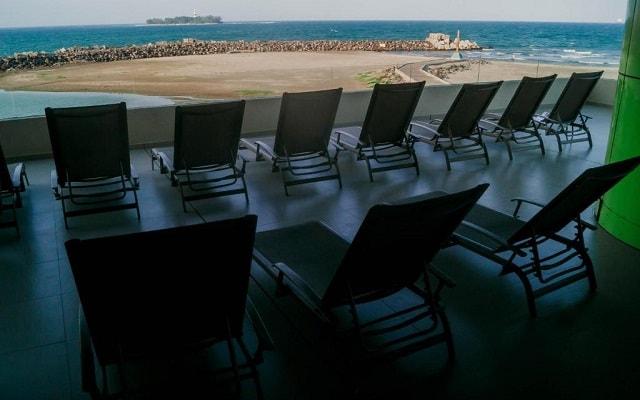 Hotel Punta Azul, buena ubicación enfrente de la playa