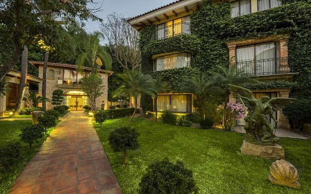 Hotel Quinta Real Guadalajara, caminos de adoquines