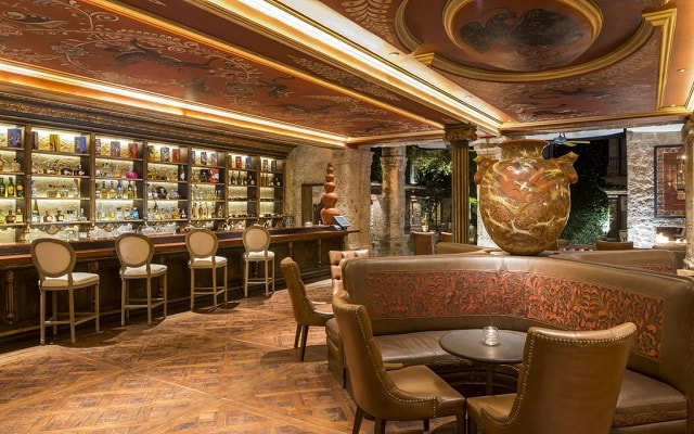 Hotel Quinta Real Guadalajara, disfruta una copa en el bar
