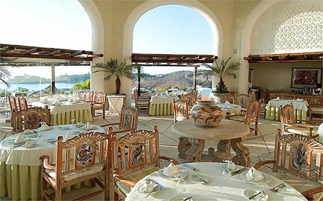 Hotel Quinta Real Huatulco, deleita tu paladar con la variedad de comidas que ofrece