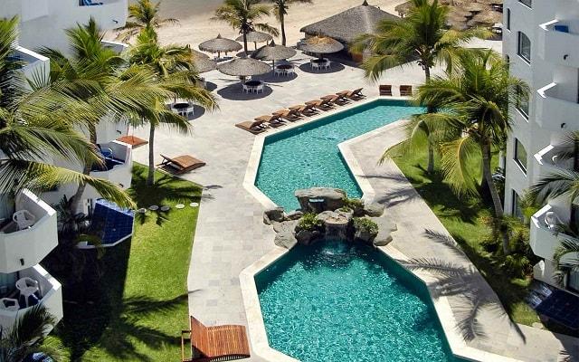 Hotel Ramada Resort Mazatlán, disfruta de su alberca al aire libre