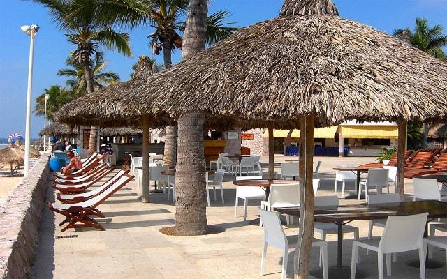 Hotel Ramada Resort Mazatlán, Las Gaviotas Bar