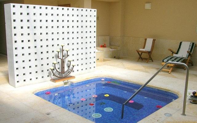 Hotel Rancho San Diego Grand Spa Resort, relájate en el jacuzzi