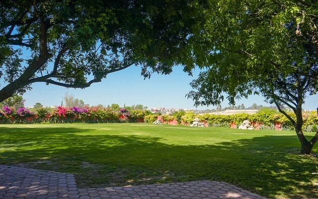 Hotel Real de Minas San Miguel Allende, pasea por el jardín