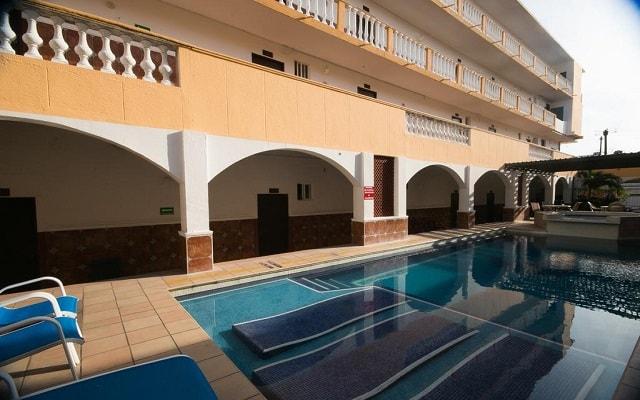 Hotel Real del Mar, disfruta de su alberca al aire libre