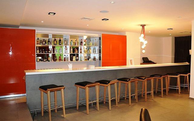 Hotel Real Inn Guadalajara Centro, disfruta una copa en el lobby bar