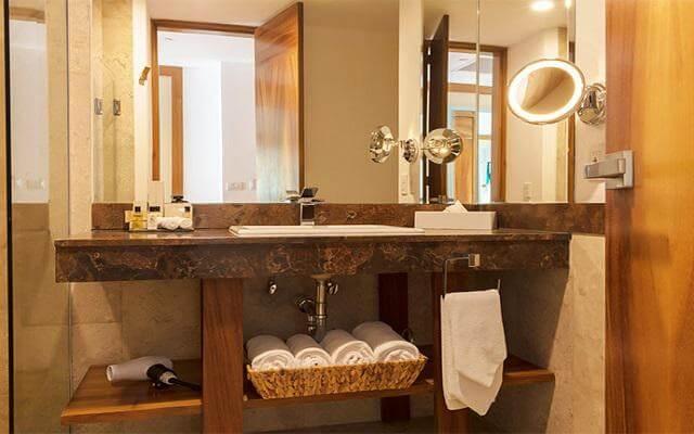 Hotel Reflect Krystal Grand Los Cabos, amenidades de calidad