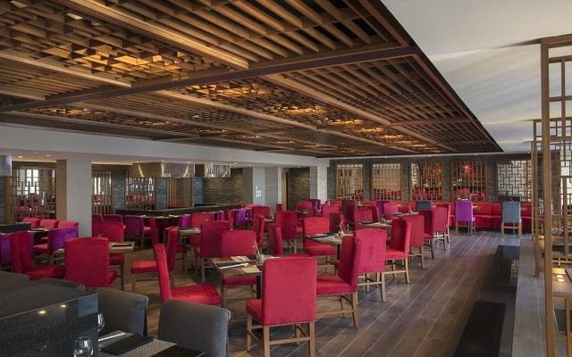 Hotel Reflect Krystal Grand Los Cabos, servicio de calidad