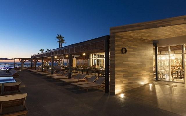 Hotel Reflect Krystal Grand Los Cabos, escenario ideal para que te relajes