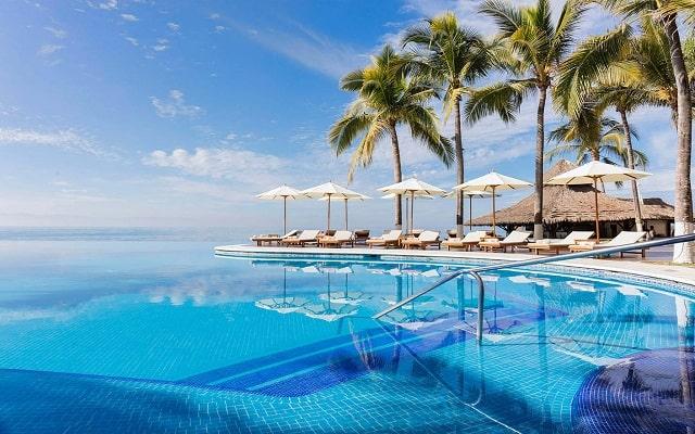 Hotel Reflect Krystal Grand Nuevo Vallarta, disfruta de su alberca