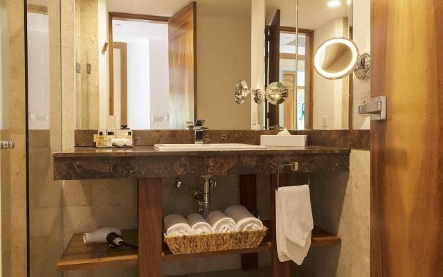 Hotel Reflect Krystal Grand Nuevo Vallarta, amenidades de calidad