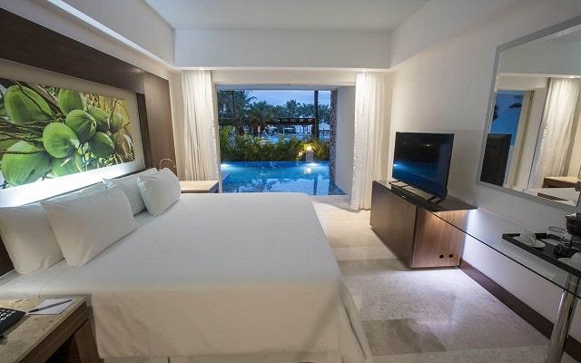 Hotel Reflect Krystal Grand Nuevo Vallarta, descansa en lujosas habitaciones
