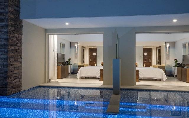 Hotel Reflect Krystal Grand Nuevo Vallarta, habitaciones con acceso a la alberca