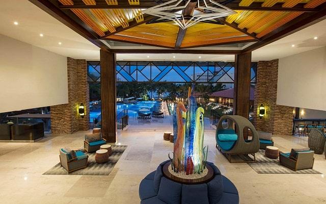 Hotel Reflect Krystal Grand Nuevo Vallarta, atención personalizada desde el inicio de tu estancia