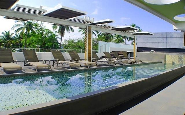 Hotel Residencial Playa Hornos Acapulco, disfruta de su alberca al aire libre