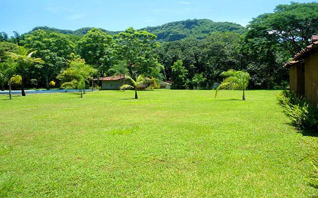 Jardines y espacio para acampar