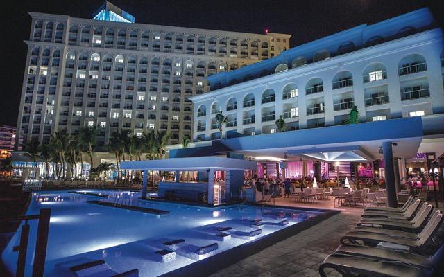 Hotel Riu Cancún All Inclusive, disfruta de noches increíbles