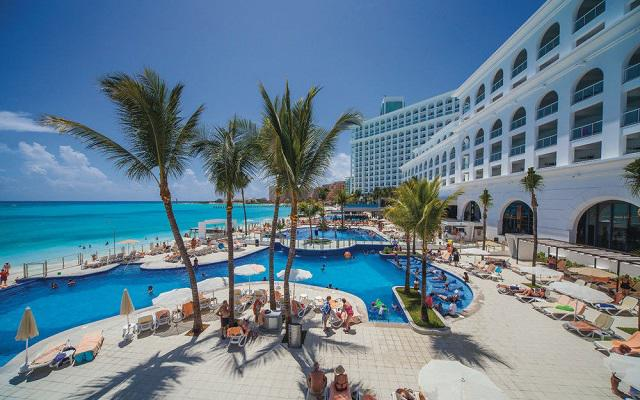 Hotel Riu Cancún All Inclusive, disfruta de su alberca al aire libre