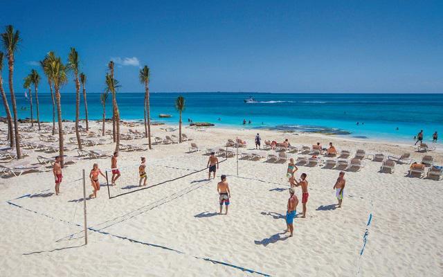 Hotel Riu Cancún All Inclusive, diviértete jugando al vóley