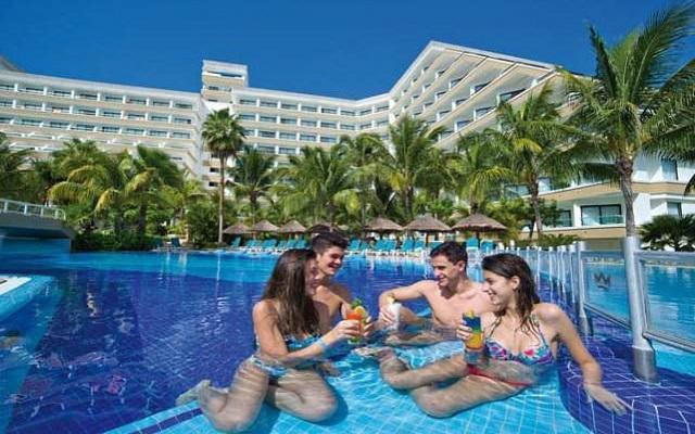 Hotel Riu Caribe, comparte buenos momentos en ambientes increíbles