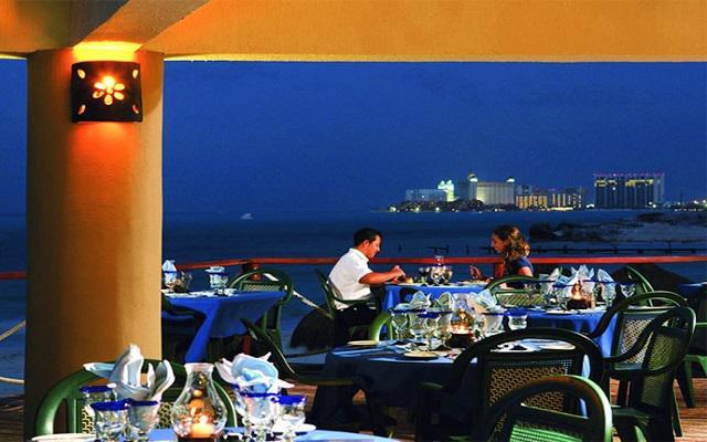 Hotel Riu Caribe, una cena con vista al mar
