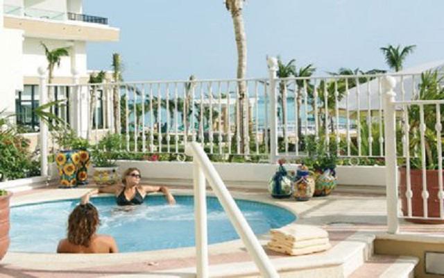 Hotel Riu Caribe, el jacuzzi es ideal para relajarte