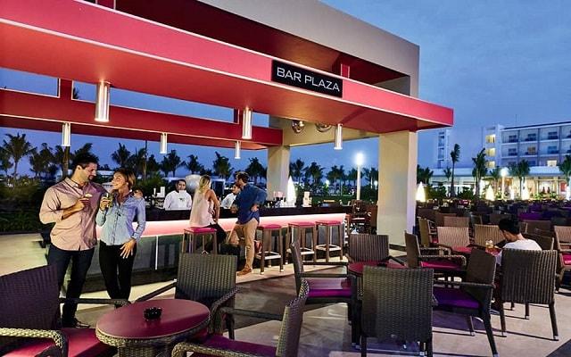 Hotel Riu Dunamar, disfruta una copa en el bar