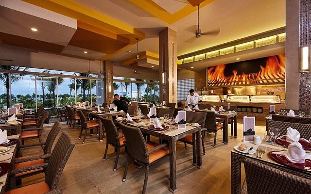 Hotel Riu Dunamar, prueba ricos menús de cocina nacional e internacional