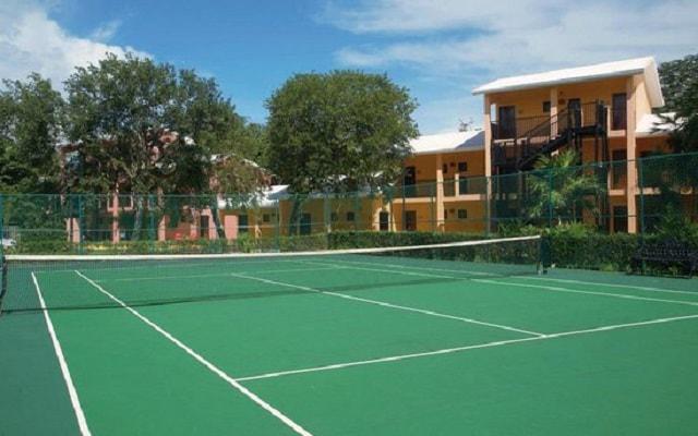 Hotel Riu Lupita, cancha de tenis