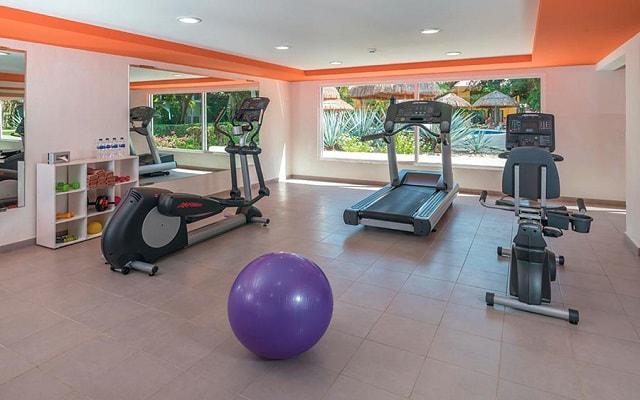 Hotel Riu Lupita,  entrena en el gimnasio