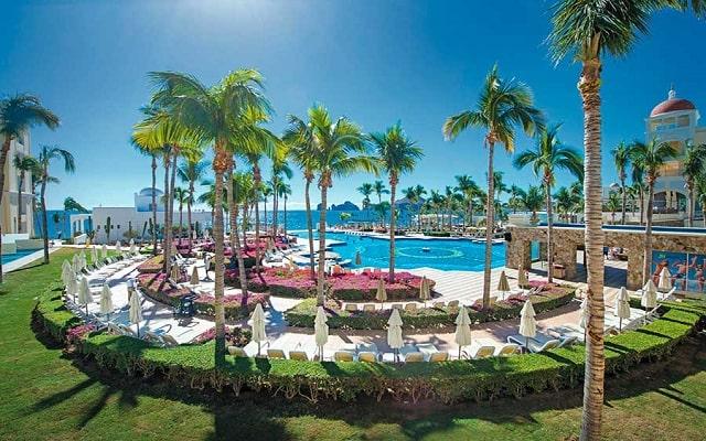 Hotel Riu Palace Cabo San Lucas, disfruta de sus albercas