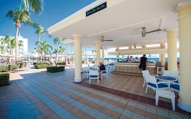 Hotel Riu Palace Cabo San Lucas, relájate en el bar