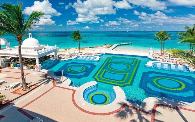Hotel Riu Palace Las Américas, vistas hermosas desde la piscina infinitum